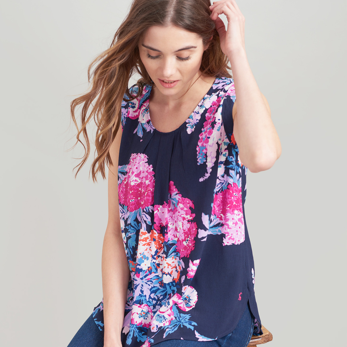 Alyse Sleeveless Woven Top Navy Floral