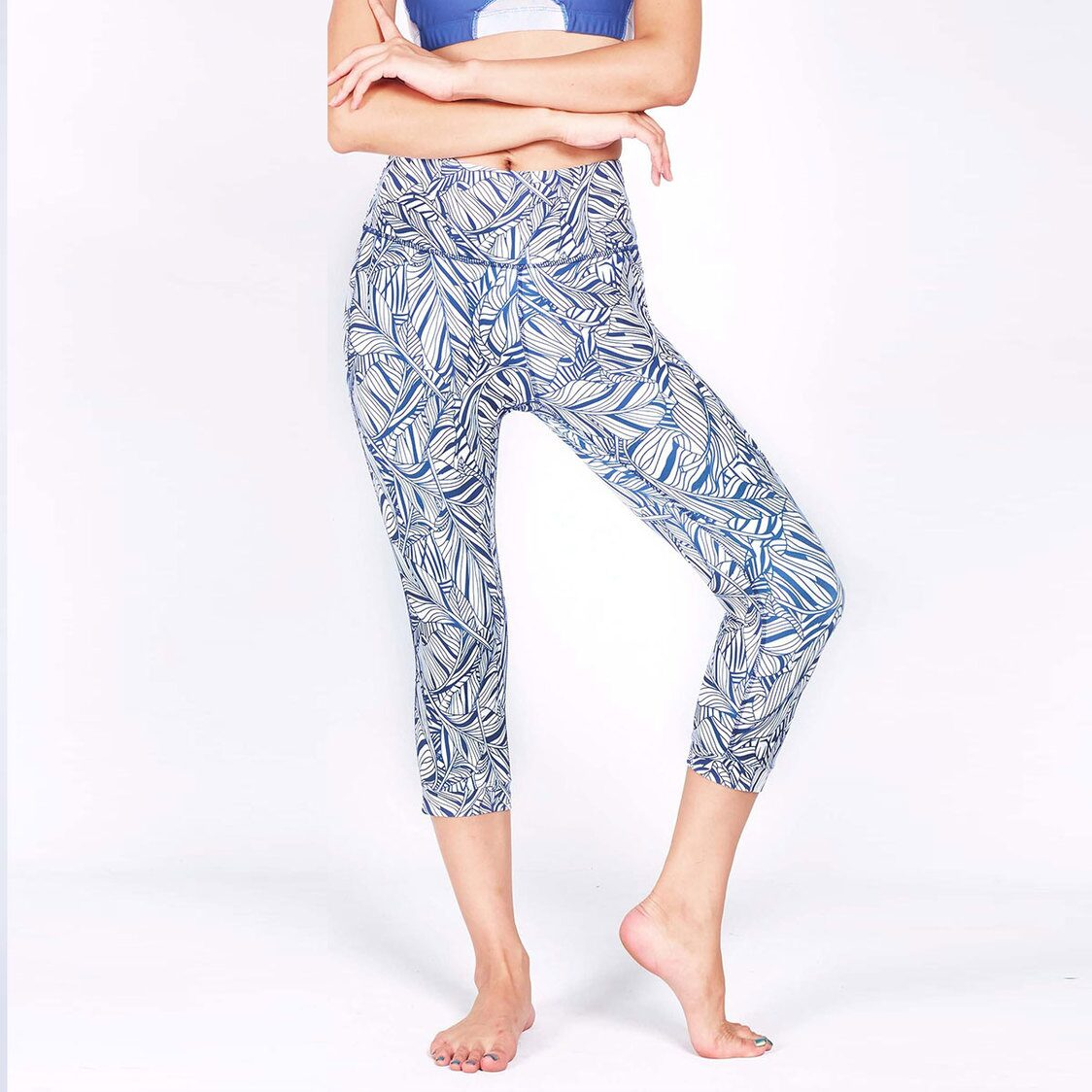 DEFINE 34 Capris with Keeperband in Liberty Print